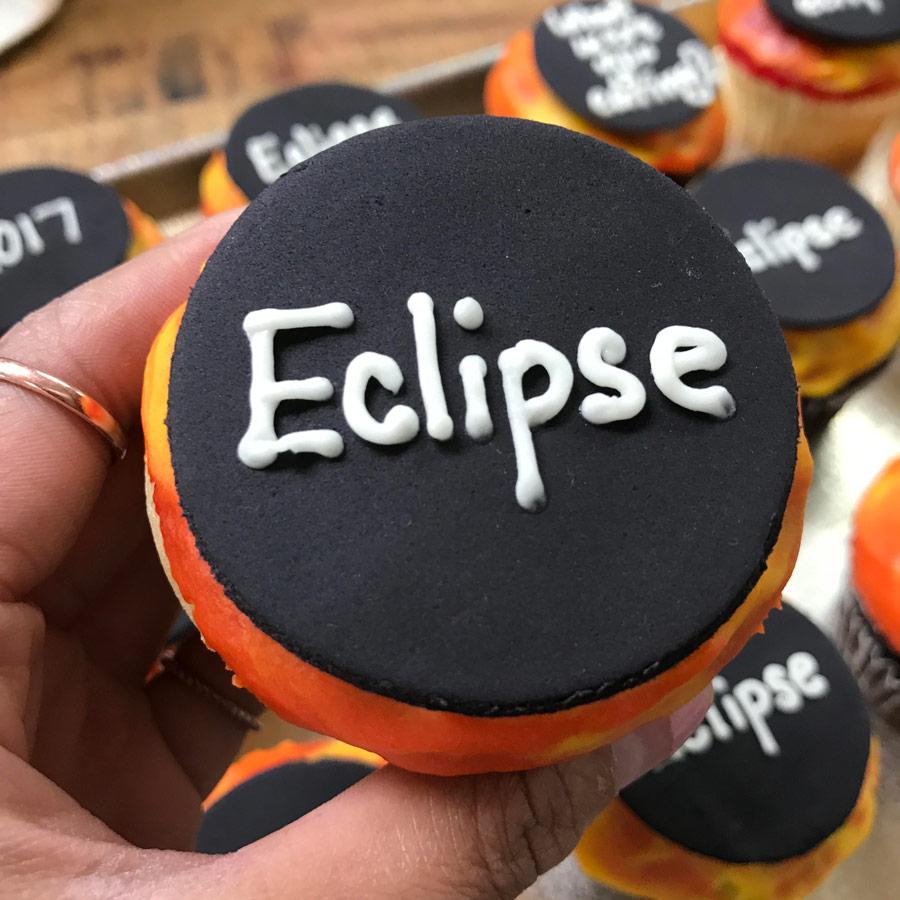 Eclipse Cupcake - Fat Cupcake